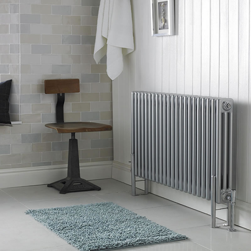 Ultra Colosseum - High Gloss Silver Triple Radiator 600mm x 1011mm