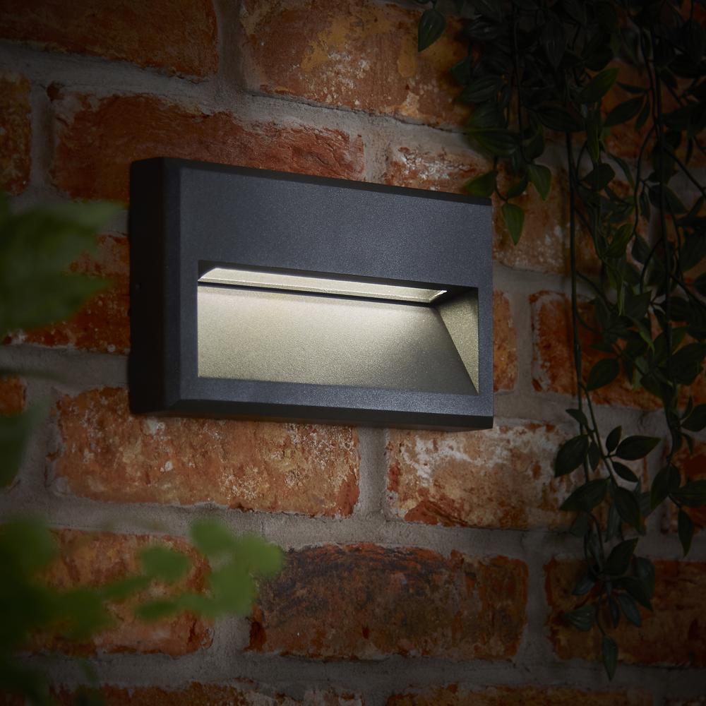 Biard Hresk IP65 LED Outdoor Wall Light