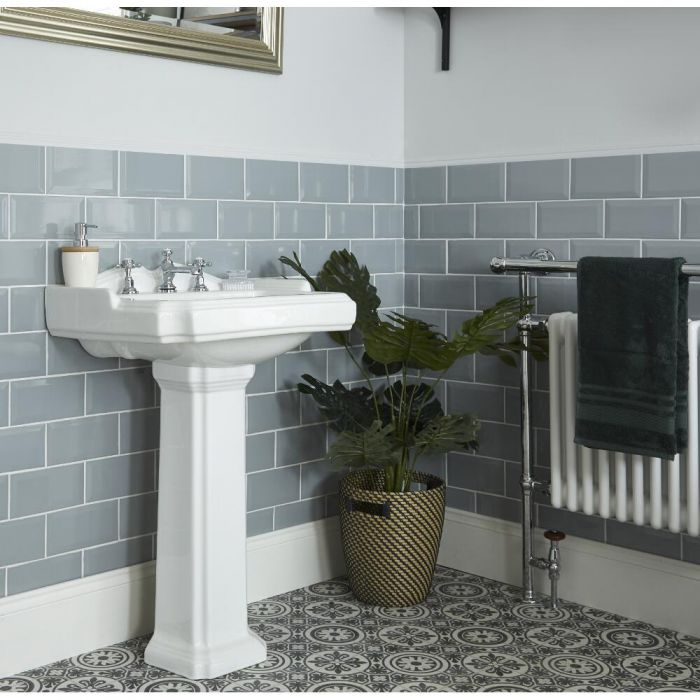 Milano Windsor - Traditional 3 Tap-Hole Basin with Full Pedestal - 590mm