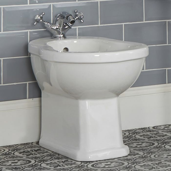 Milano Richmond - White Traditional Floor Standing Bidet - 405mm x 390mm