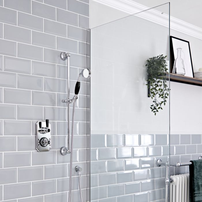 Milano Elizabeth - Chrome and Black Traditional Thermostatic Shower with Round Hand Shower and Riser Rail (1 Outlet)