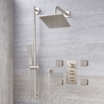 Modern Showers with Bodyjets